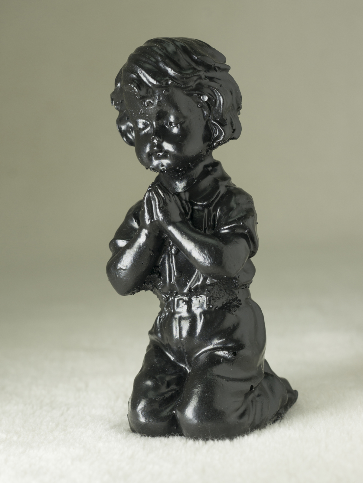 03088B Praying Boy (coal)