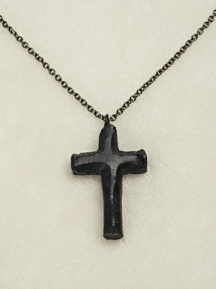 03097 Necklace, Cross on chain (coal)