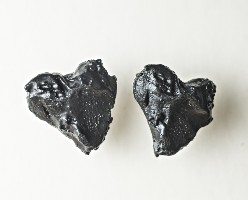03006E Earrings, Heart (coal)
