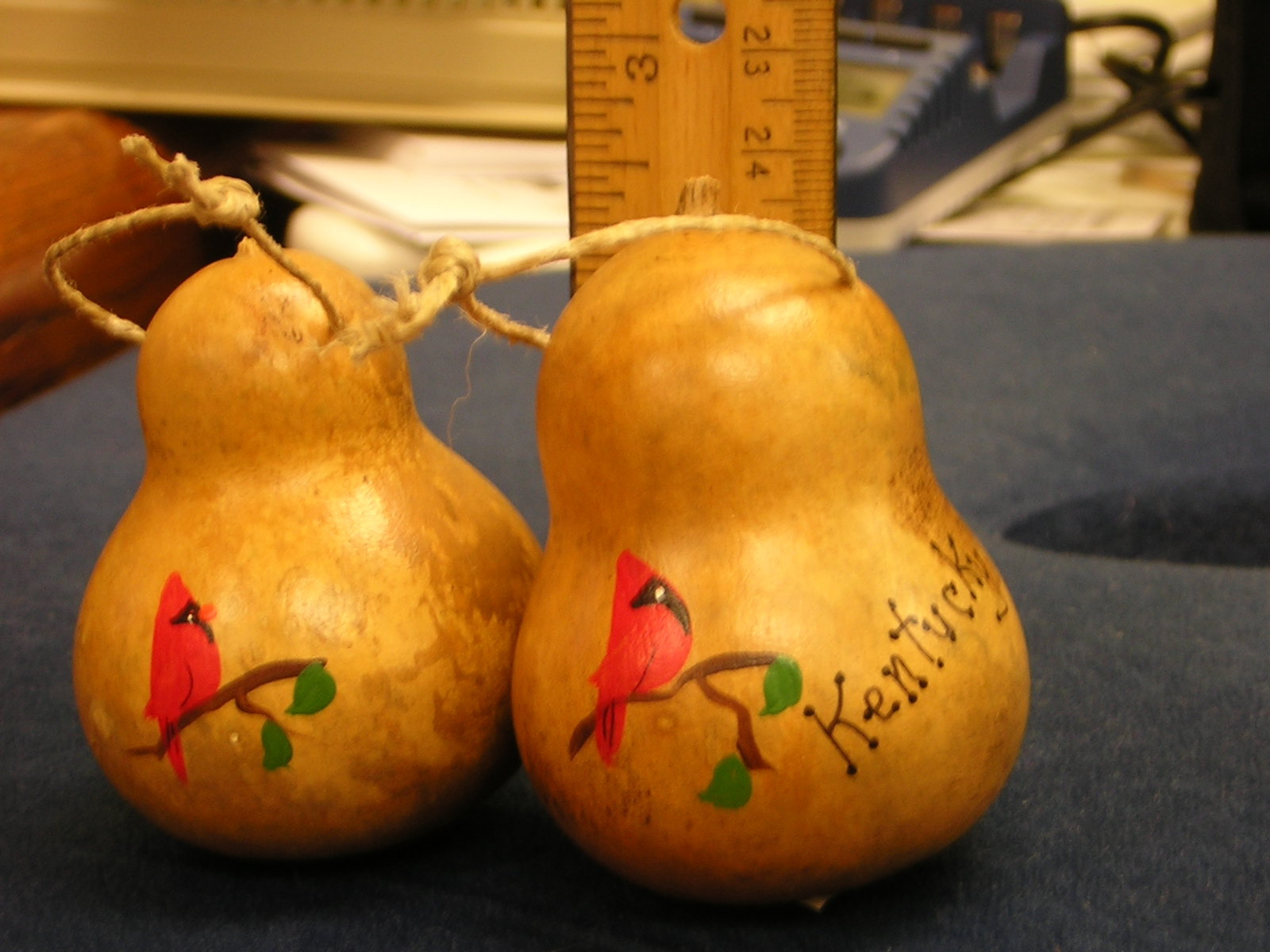 1833 Cardinal Gourd Ornament, small